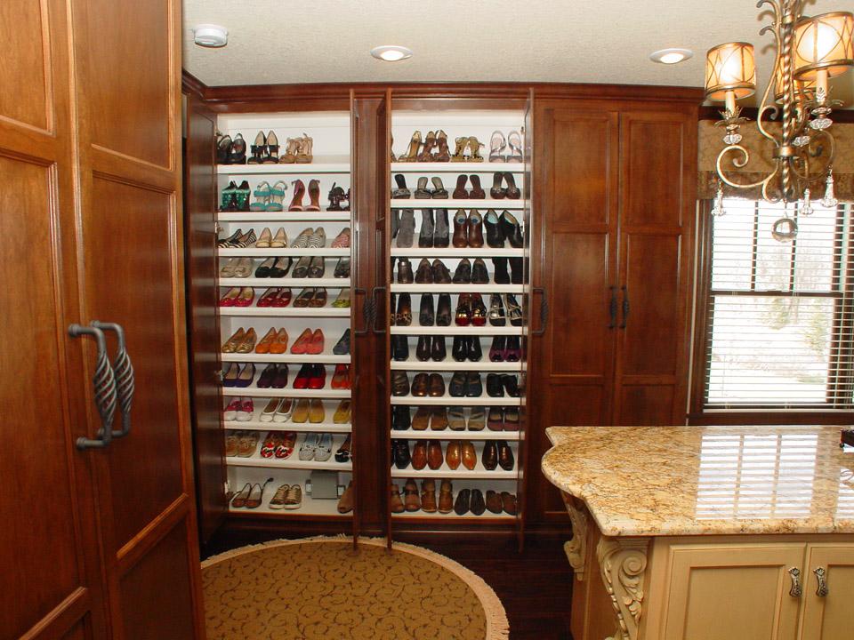 Bedroom & Closets | Brenny Custom Cabinets